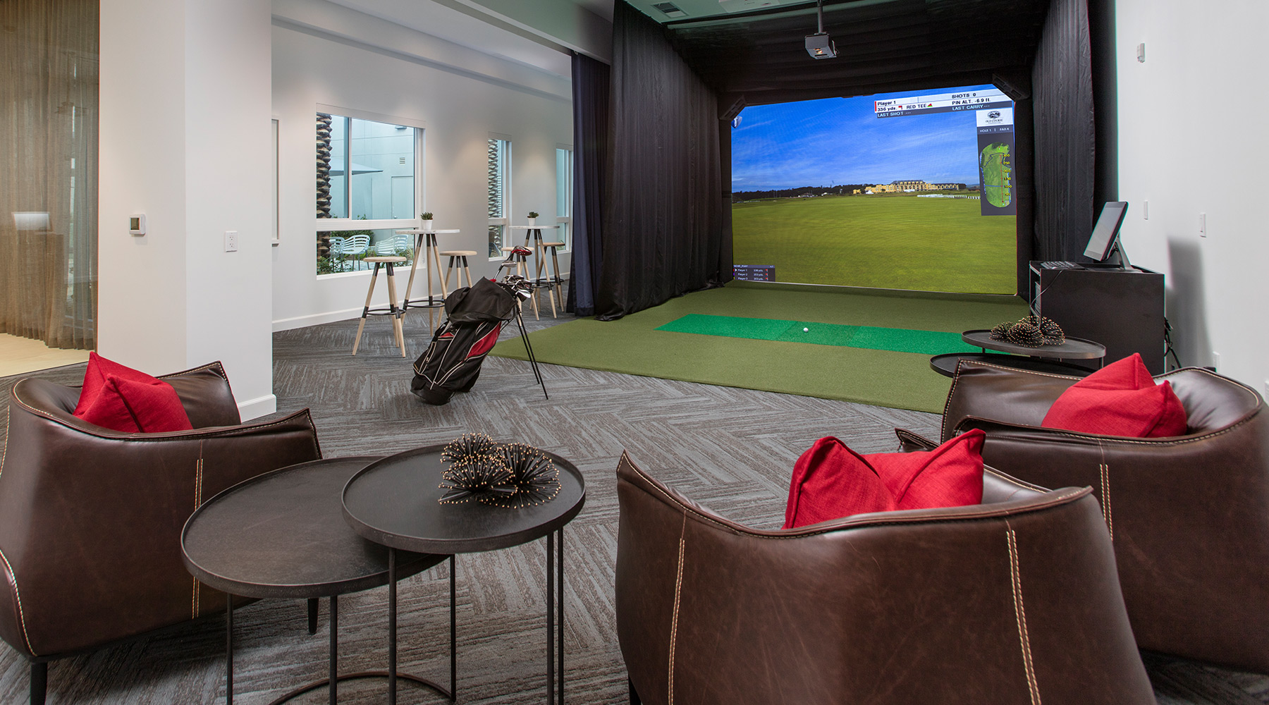 The Royce - Indoor Golf Driving Range