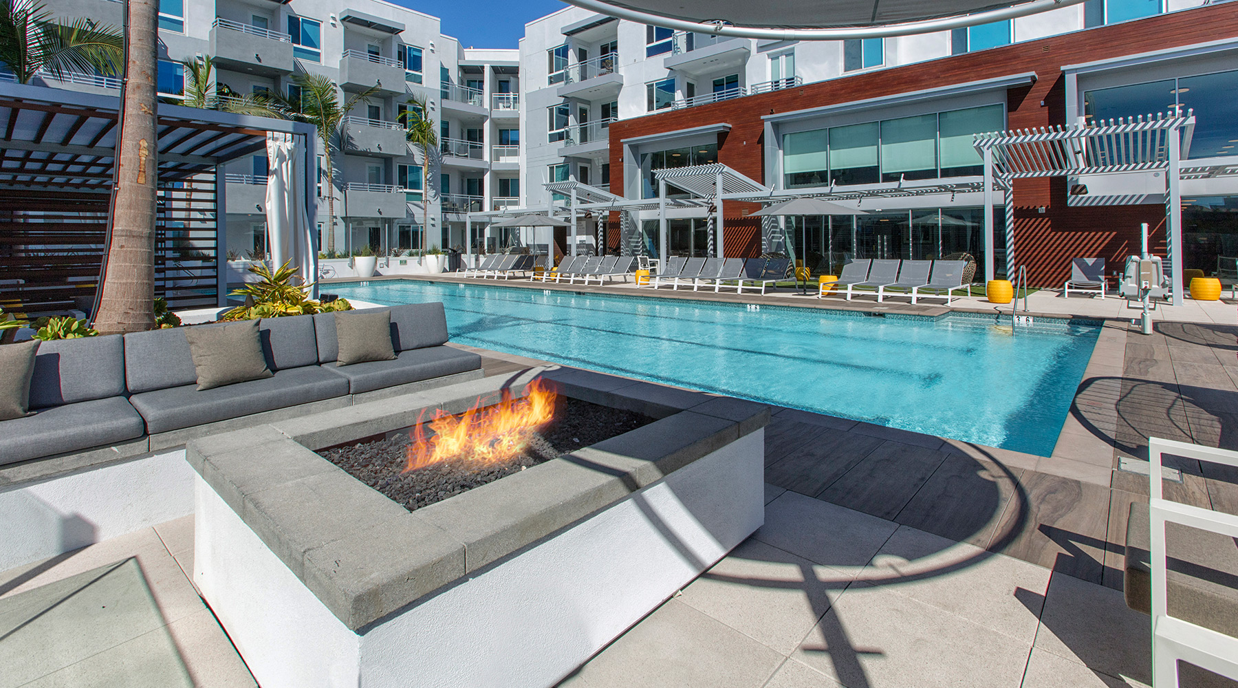 The Royce - Saltwater Pool & Fire Pits