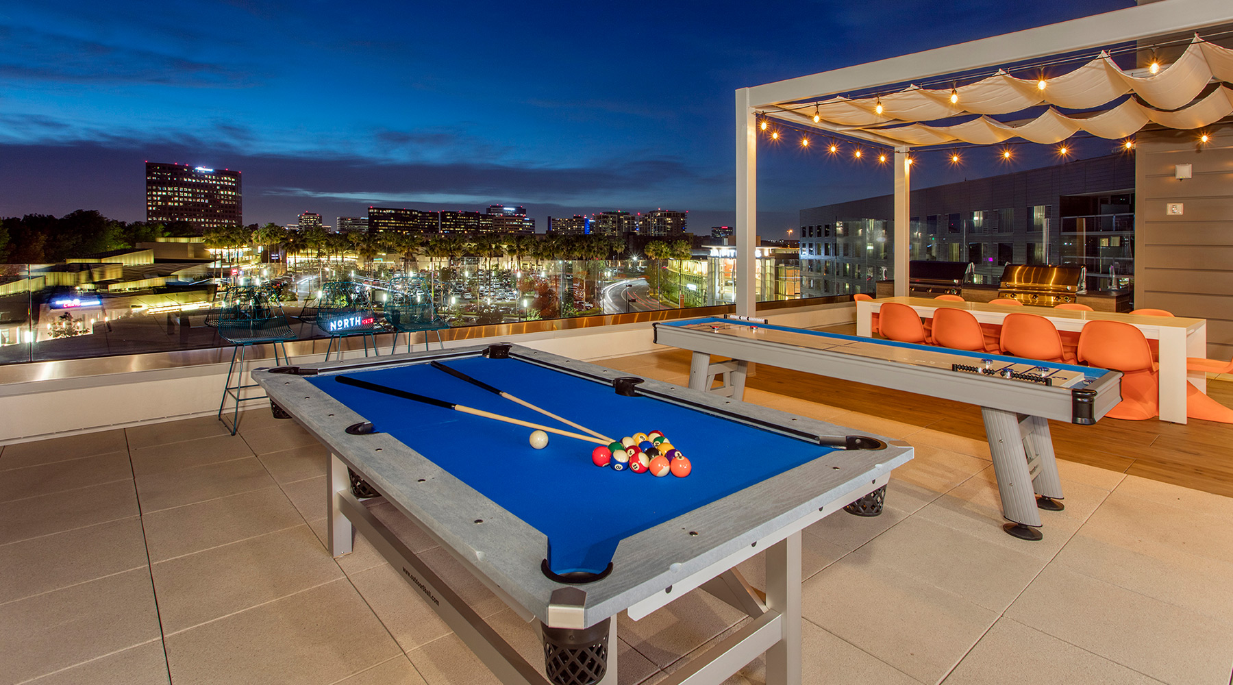 The Royce - Sky Deck with Outdoor Pool Table