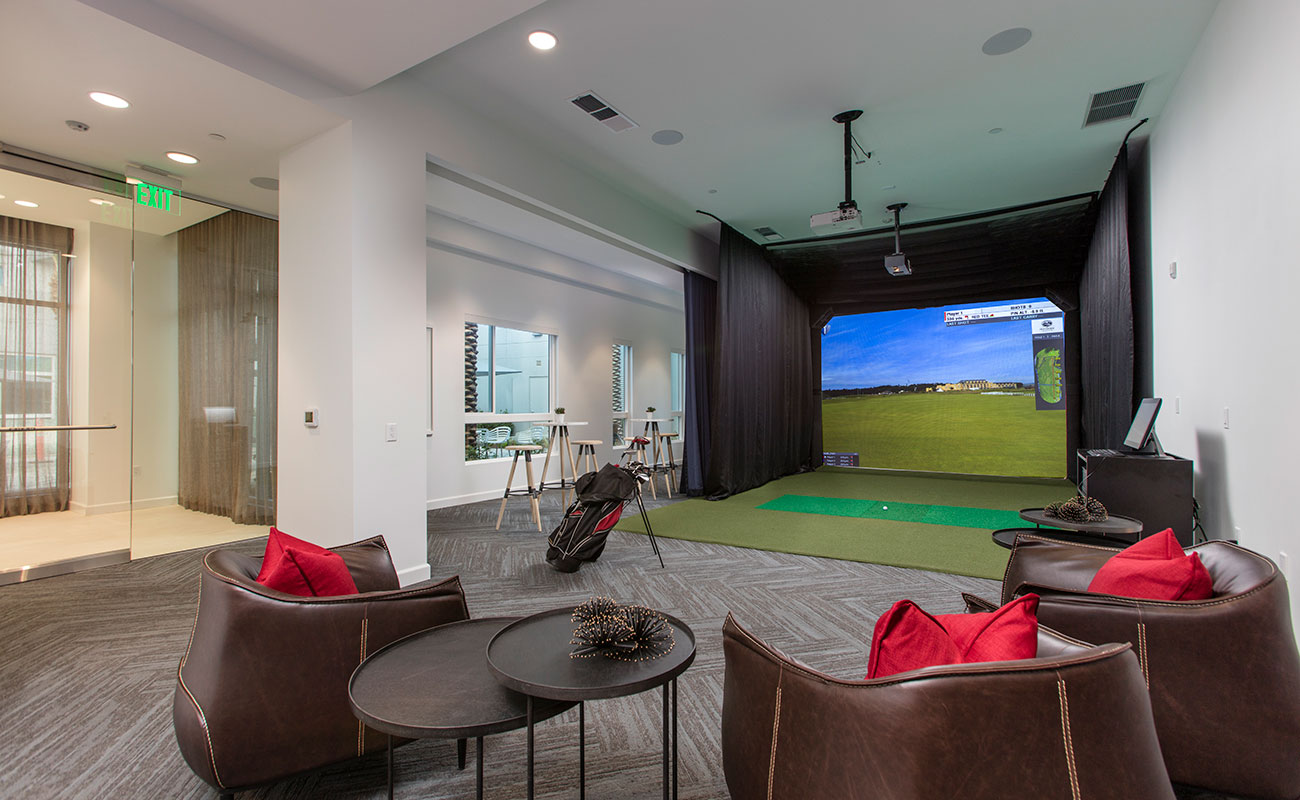 19th Hole Indoor Amenities The Royce
